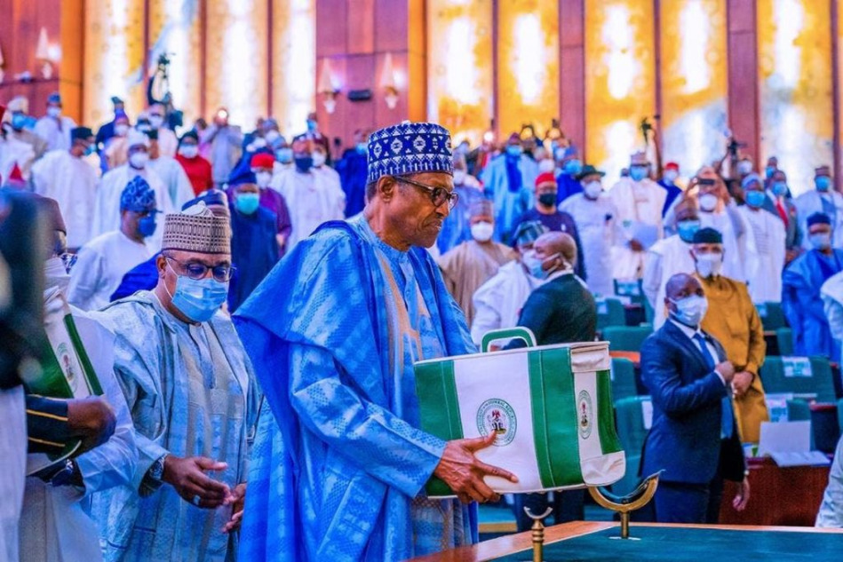 National Assembly transmits N13.6trillion 2021 budget to President Muhammadu Buhari for assent