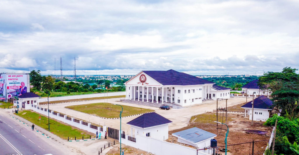 Akwa Ibom State Governor, Udom Emmanuel, inaugurates newly constructed office Complex of State Council of Chiefs