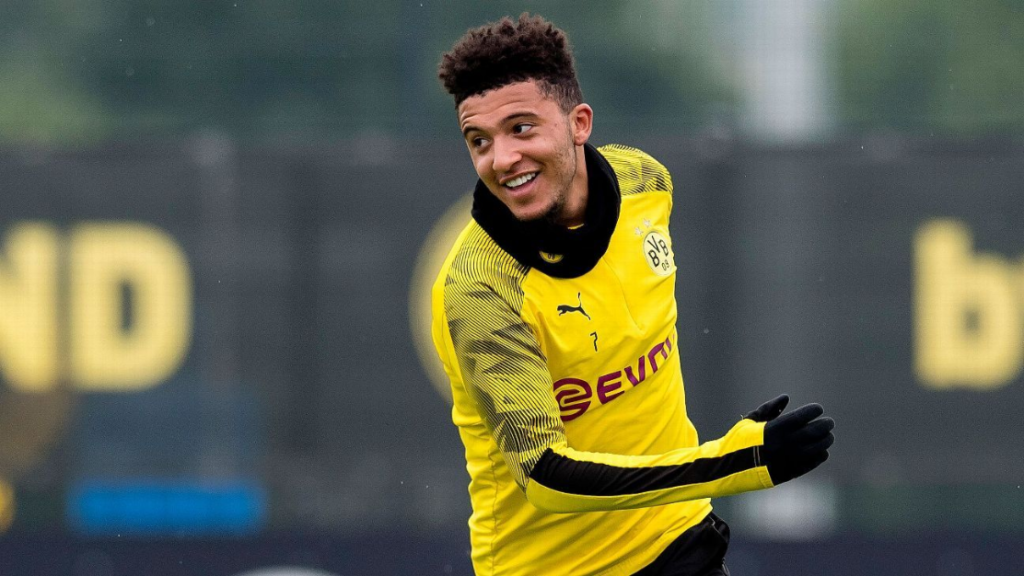 Manchester United make final £90M bid for Sancho