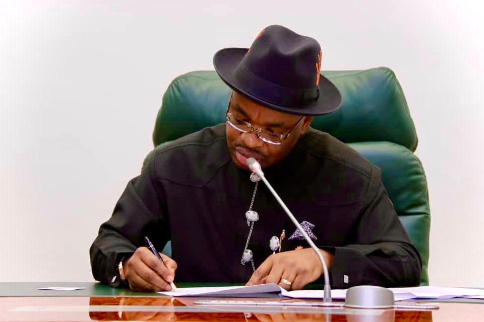 Akwa Ibom State Governor Udom Emmanuel directs immediate discontinuation of curfew imposed in the state